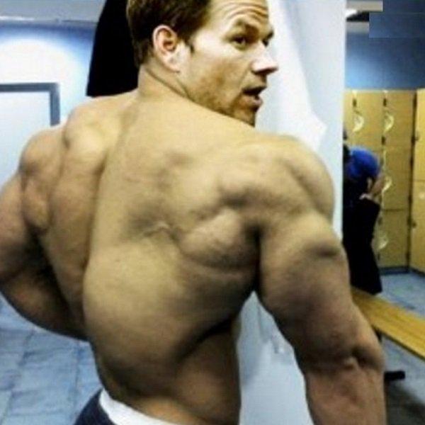マーク・ウォールバーグ 筋肉