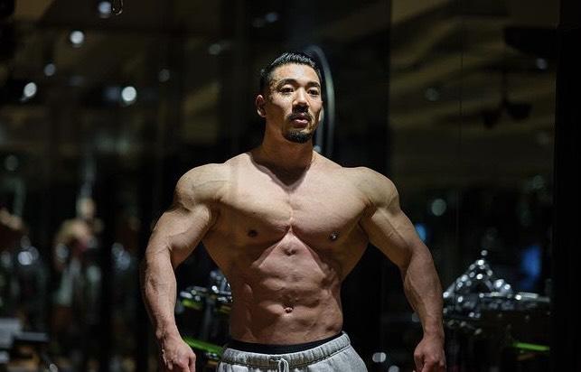 【IFBB-PRO】竹本直人の筋肉の筋肉がデカすぎる?身長や筋トレも紹介