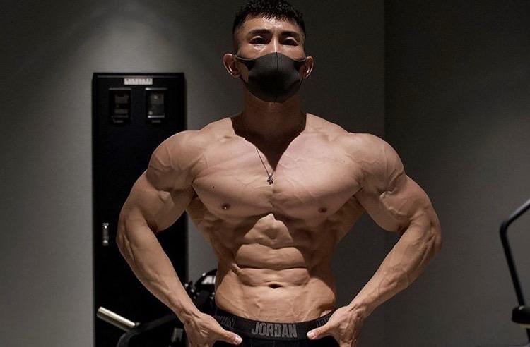べーやんの筋肉を作った筋トレメニューとサプリを紹介
