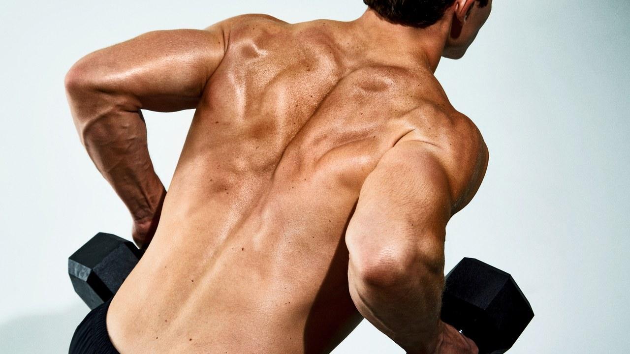 【ダンベルベントオーバーロー】背中の厚みを作ることのできるトレーニングを筋トレのプロが徹底解説【動画あり】