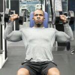 【ダンベルショルダープレス】肩全体を鍛えられるトレーニングを筋トレのプロが徹底解説【動画あり】